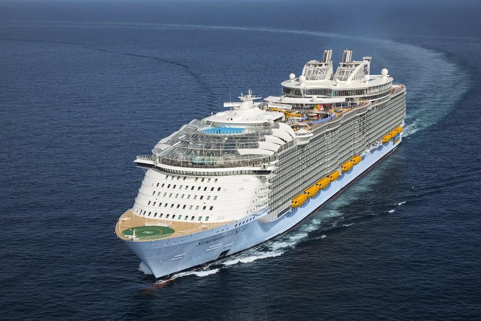 8 curiosidades del Symphony of the Seas, el barco más grande del mundo